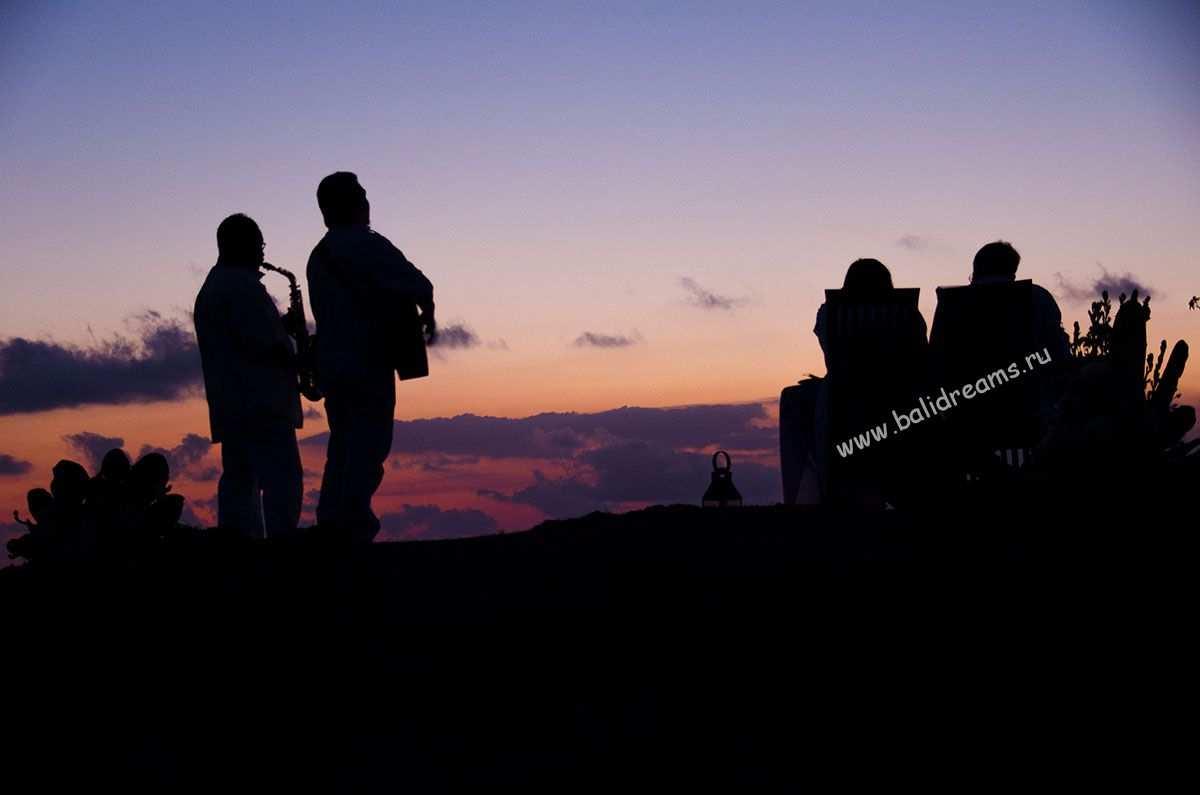 Закат на Балангане на скаде, романтик ужин под музыку