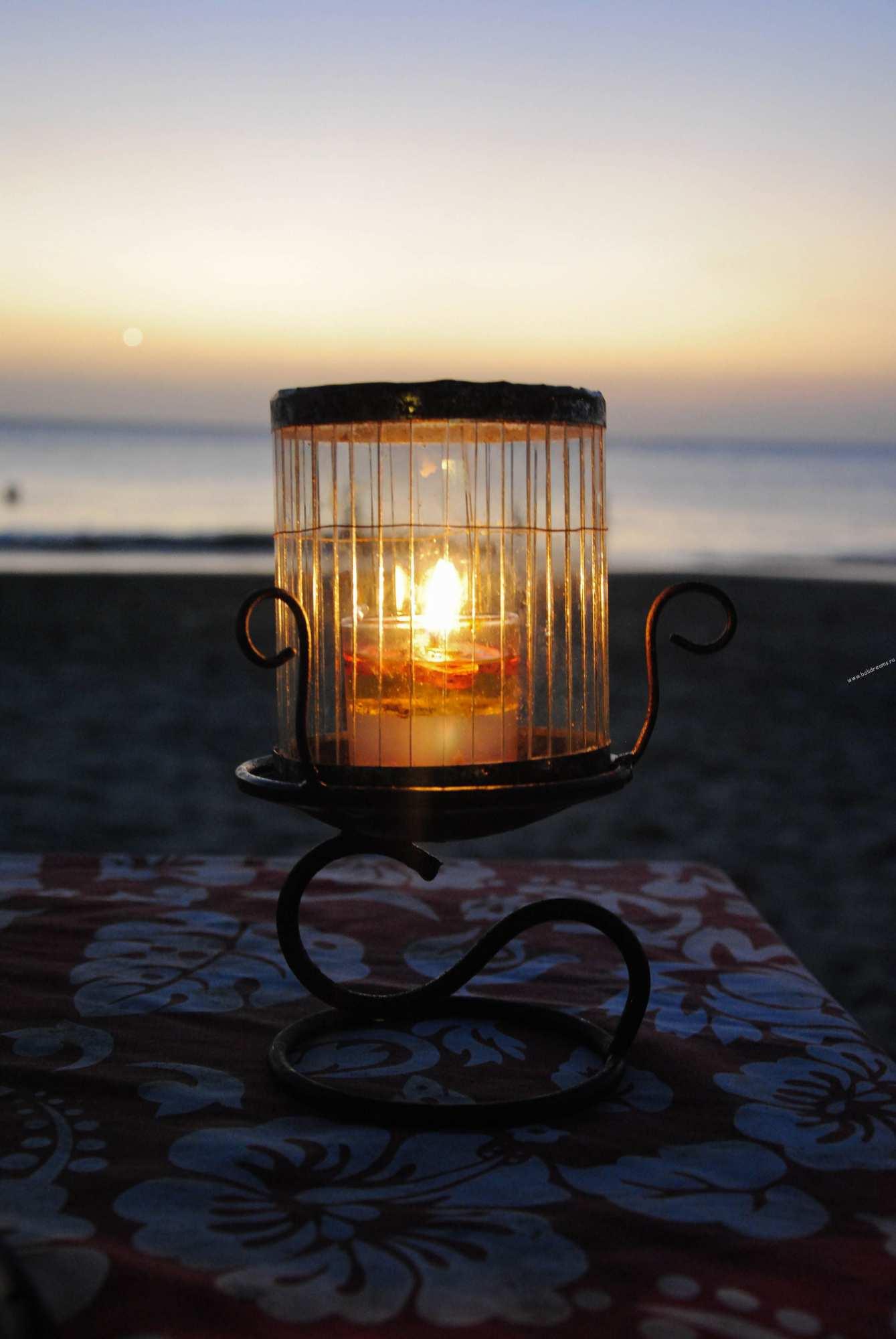 Романтический ужин в Джимбаране на закате