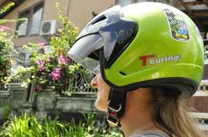 Безопасность на дороге Бали, шлем