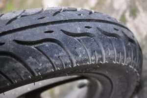 Протектор колеса на скутере, безопасность на дорогах на Бали