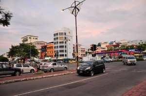 Центральная улица Кота Кинабалу