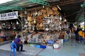 Магазины сушеной рыбы. Кота Кинабалу