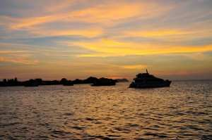 Закат на набережной в Кота Кинабалу