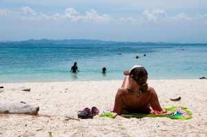 Пляж на острове Сапи