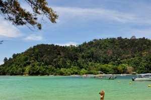 Место для купания. Остров Сапи
