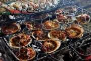 Мидии на гриле, рыбный рынок Джимбаран Бали