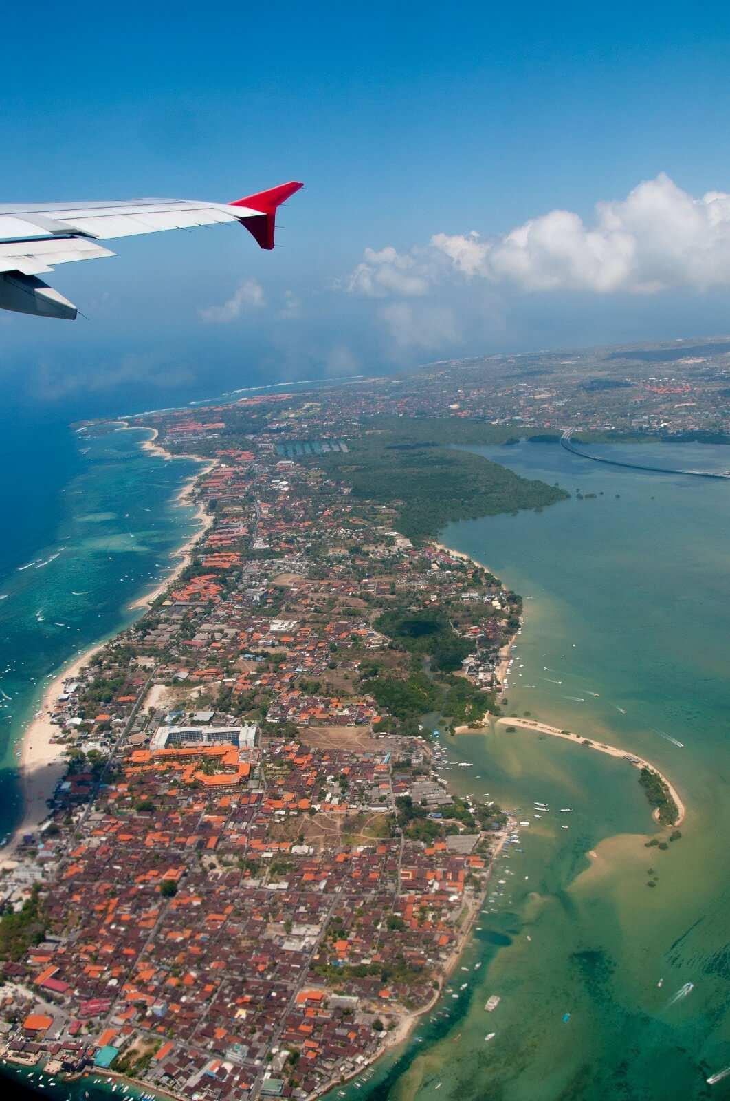 Вид из самолета на Танджунг Беноа. Остров Бали