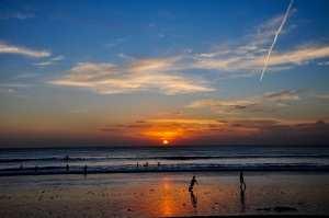 Закат на пляже Джимбаран. Остров Бали