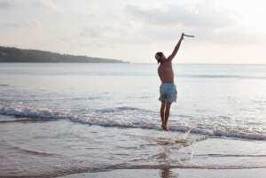 Пляжные игры на Бали. Пляж Джимбаран