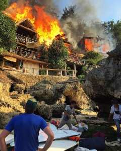 Пожар на пляже Паданг-Паданг, букит, Бали