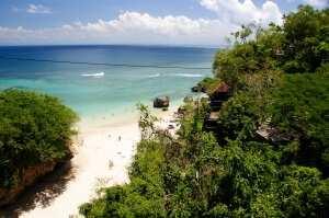 Пляж Паданг-Паданг остров Бали
