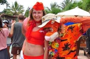 Стюардесса и тигренок на Серф Джем остров Бали