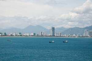 Вид на район Нячанг с острова Вин Перл. Вьетнам
