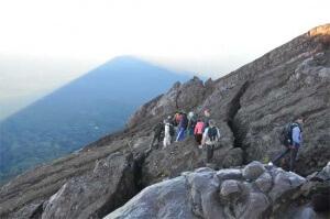 На вершине Гунунг Агунг, остров Бали, Индонезия