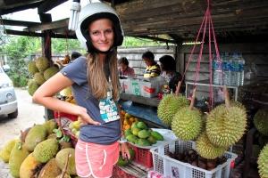 Выбираем Дуриан на Бали